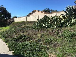 Photo 2: SAN CARLOS Property for sale: 6234 E Lake Dr in San Diego