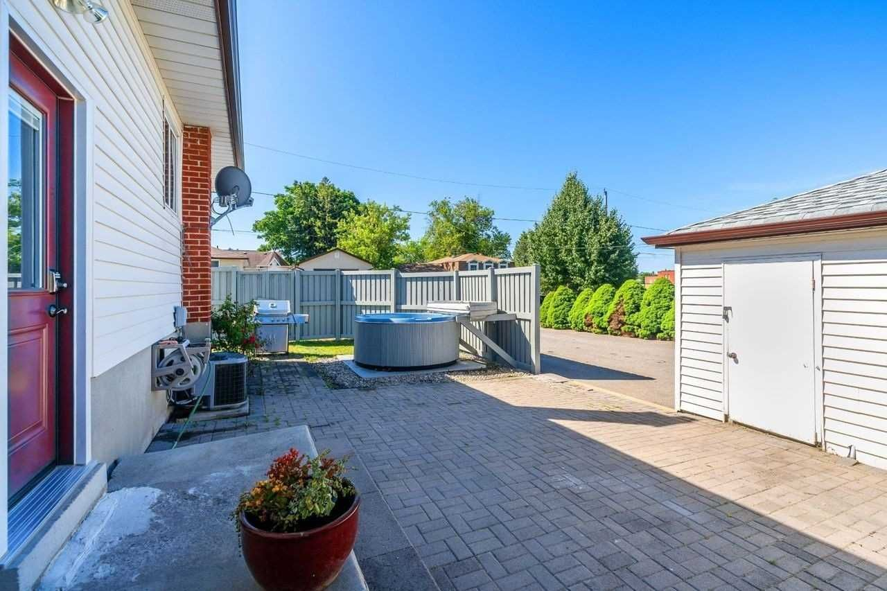 Photo 5: Photos: 26 East Lawn Street in Oshawa: Donevan House (Bungalow) for sale : MLS®# E4818284