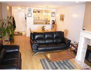 Photo 4: 202 2340 HAWTHORNE Avenue in Port_Coquitlam: Central Pt Coquitlam Condo for sale (Port Coquitlam)  : MLS®# V696613