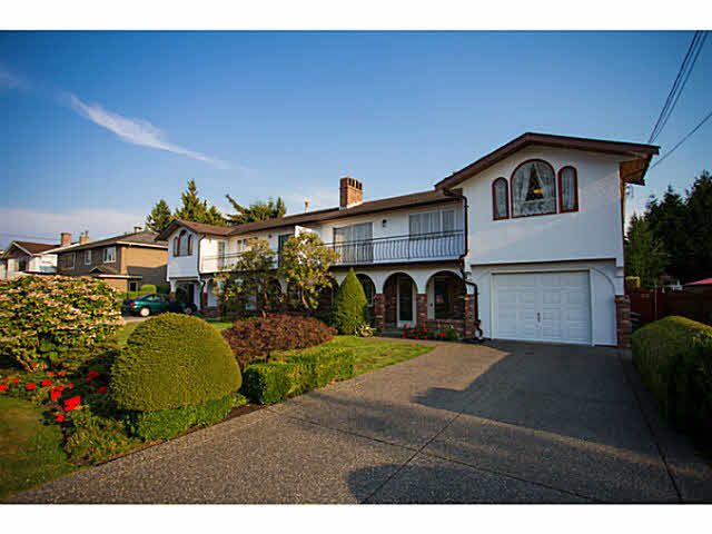Main Photo: 5528 MAPLE Crescent in Ladner: Delta Manor 1/2 Duplex for sale : MLS®# V1138909