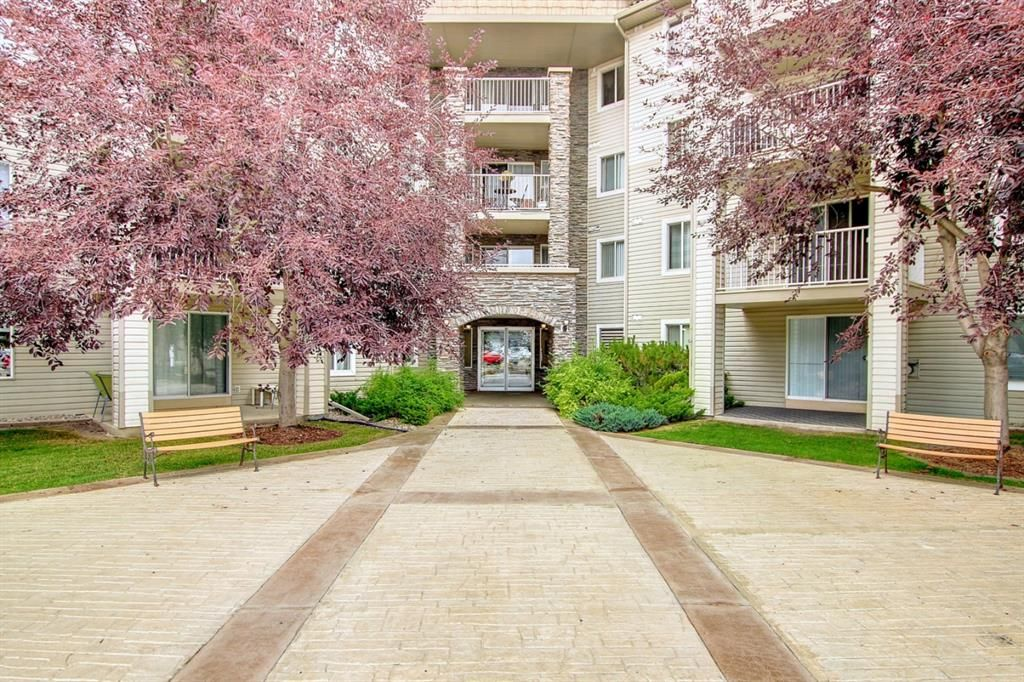 Main Photo: 403 3000 Somervale Court SW in Calgary: Somerset Apartment for sale : MLS®# A1142652
