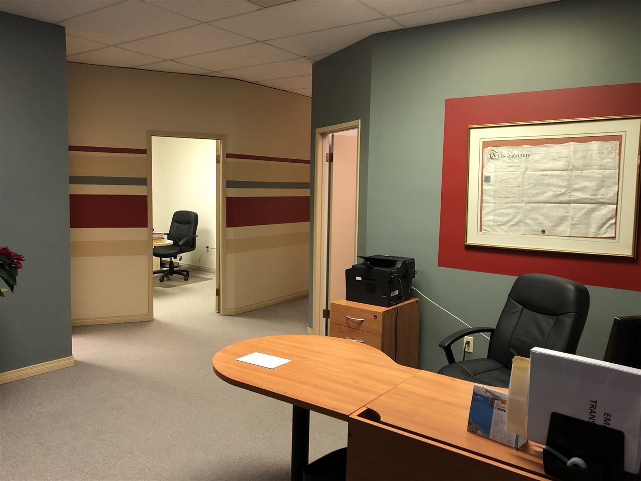 Main Photo: 205 31549 S FRASER Way in Abbotsford: Abbotsford West Office for lease : MLS®# C8022514
