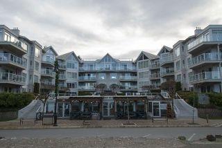 """Photo 17: 404 328 ESPLANADE Avenue: Harrison Hot Springs Condo for sale in """"ECHO BEACH RESORT"""" : MLS®# R2334354"""