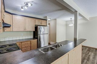 Photo 8: 17 Eversyde Court SW in Calgary: Evergreen Row/Townhouse for sale : MLS®# A1120200