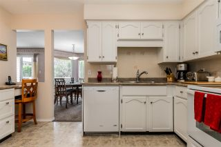 """Photo 8: 105 32145 OLD YALE Road in Abbotsford: Abbotsford West Condo for sale in """"Cypress Park"""" : MLS®# R2373888"""