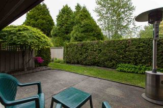 """Photo 17: 3 1620 148 Street in Surrey: Sunnyside Park Surrey Townhouse for sale in """"ENGLESEA COURT"""" (South Surrey White Rock)  : MLS®# R2429994"""