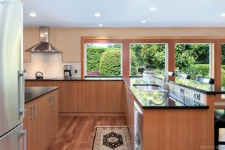 Photo 5: 1300 Clayton Rd in NORTH SAANICH: NS Lands End House for sale (North Saanich)  : MLS®# 820834
