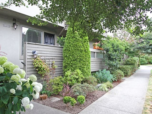 Main Photo: 1803 GREER Avenue in Vancouver: Kitsilano Townhouse for sale (Vancouver West)  : MLS®# V904936