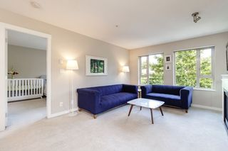 Photo 8: 303 3105 LINCOLN AVENUE in Coquitlam: New Horizons Condo for sale : MLS®# R2493905