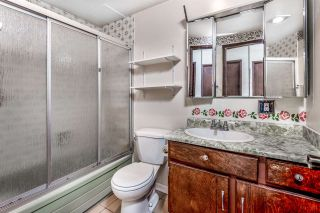 """Photo 12: 106 1585 E 4TH Avenue in Vancouver: Grandview Woodland Condo for sale in """"ALPINE PLACE"""" (Vancouver East)  : MLS®# R2345574"""