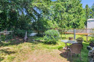 """Photo 20: 33 2305 200 Street in Langley: Brookswood Langley Manufactured Home for sale in """"Cedar Lane Park"""" : MLS®# R2465102"""