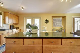 Photo 12: 2090 Chilcotin Crescent in Kelowna: Dilowrth Mt House for sale (Central Okanagan)  : MLS®# 10201594