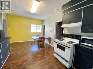 Photo 3: 16 RYDBERG STREET in Hughenden: House for sale : MLS®# A1059976