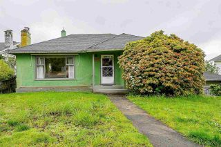 """Photo 1: 1414 NANAIMO Street in New Westminster: West End NW House for sale in """"West End"""" : MLS®# R2575991"""