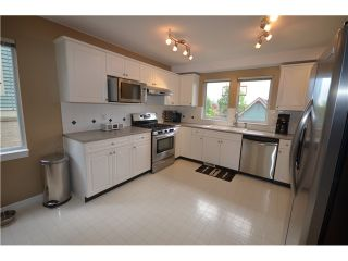 """Photo 2: 18 910 FORT FRASER RISE in Port Coquitlam: Citadel PQ Townhouse for sale in """"SIENNA RIDGE"""" : MLS®# V1007711"""