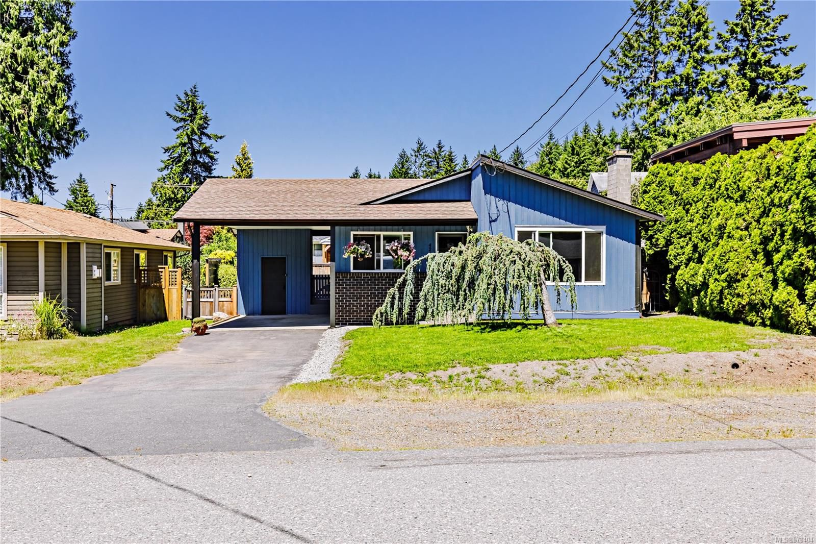 Main Photo: 4260 Clubhouse Dr in : Na Uplands House for sale (Nanaimo)  : MLS®# 879404