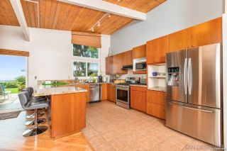 Photo 5: PACIFIC BEACH House for sale : 3 bedrooms : 5022 Pacifica Dr in San Diego