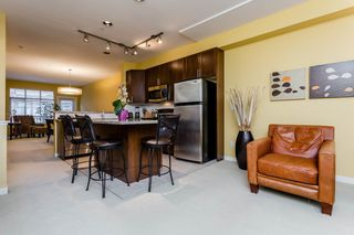"""Photo 3: 38 21661 88 Avenue in Langley: Walnut Grove Townhouse for sale in """"Monterra"""" : MLS®# R2156136"""