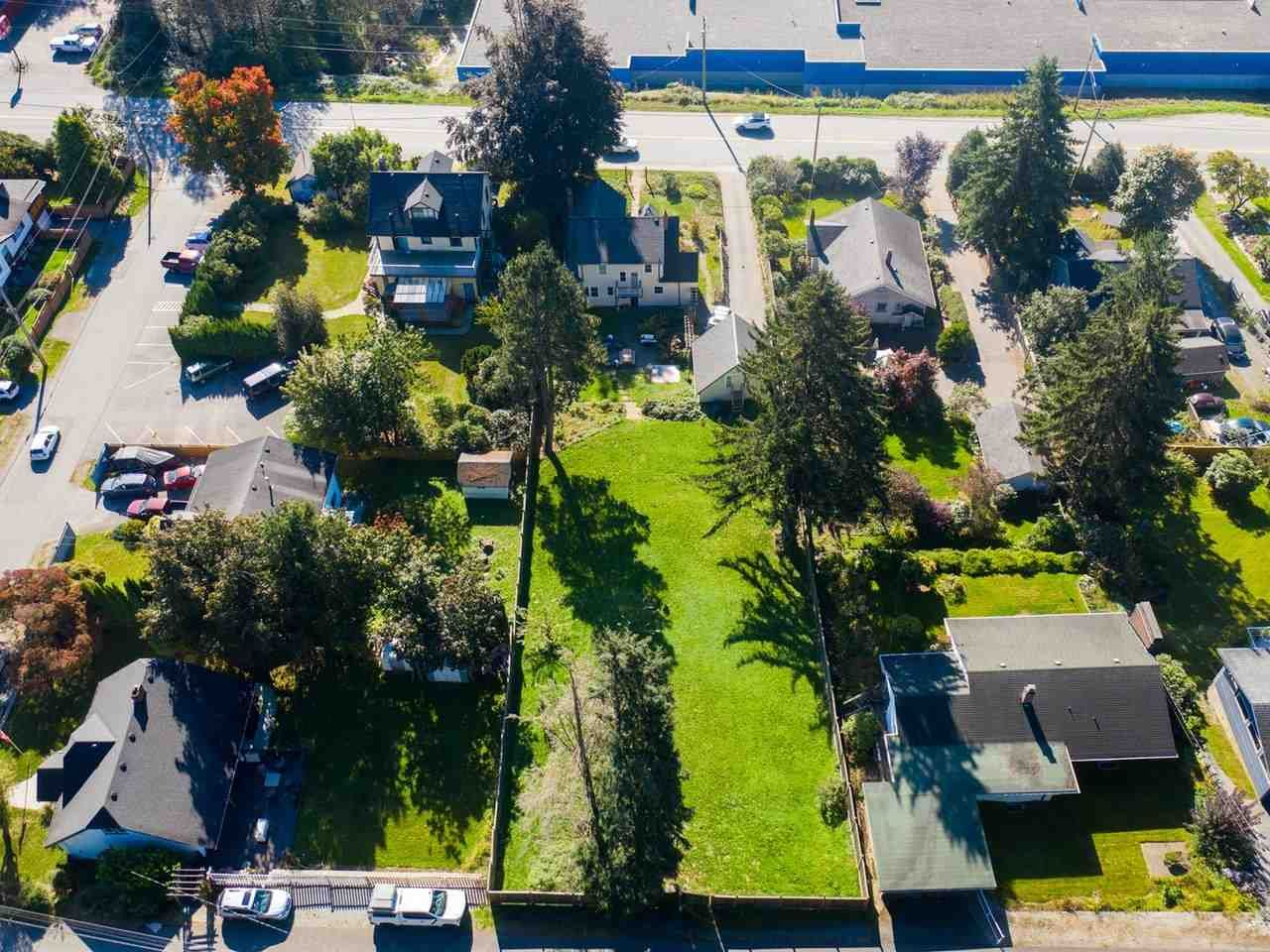 Main Photo: 33521 1ST AVENUE in Mission: Mission BC House for sale : MLS®# R2532988