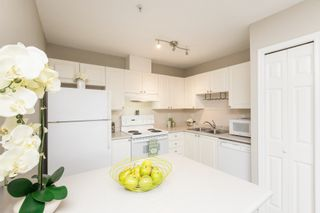 """Photo 14: 508 1128 SIXTH Avenue in New Westminster: Uptown NW Condo for sale in """"Kingsgate"""" : MLS®# R2230394"""