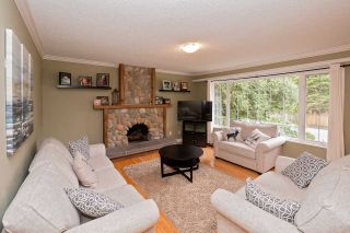 "Photo 9: 3854 196A Street in Langley: Brookswood Langley House for sale in ""Brookswood"" : MLS®# R2553669"