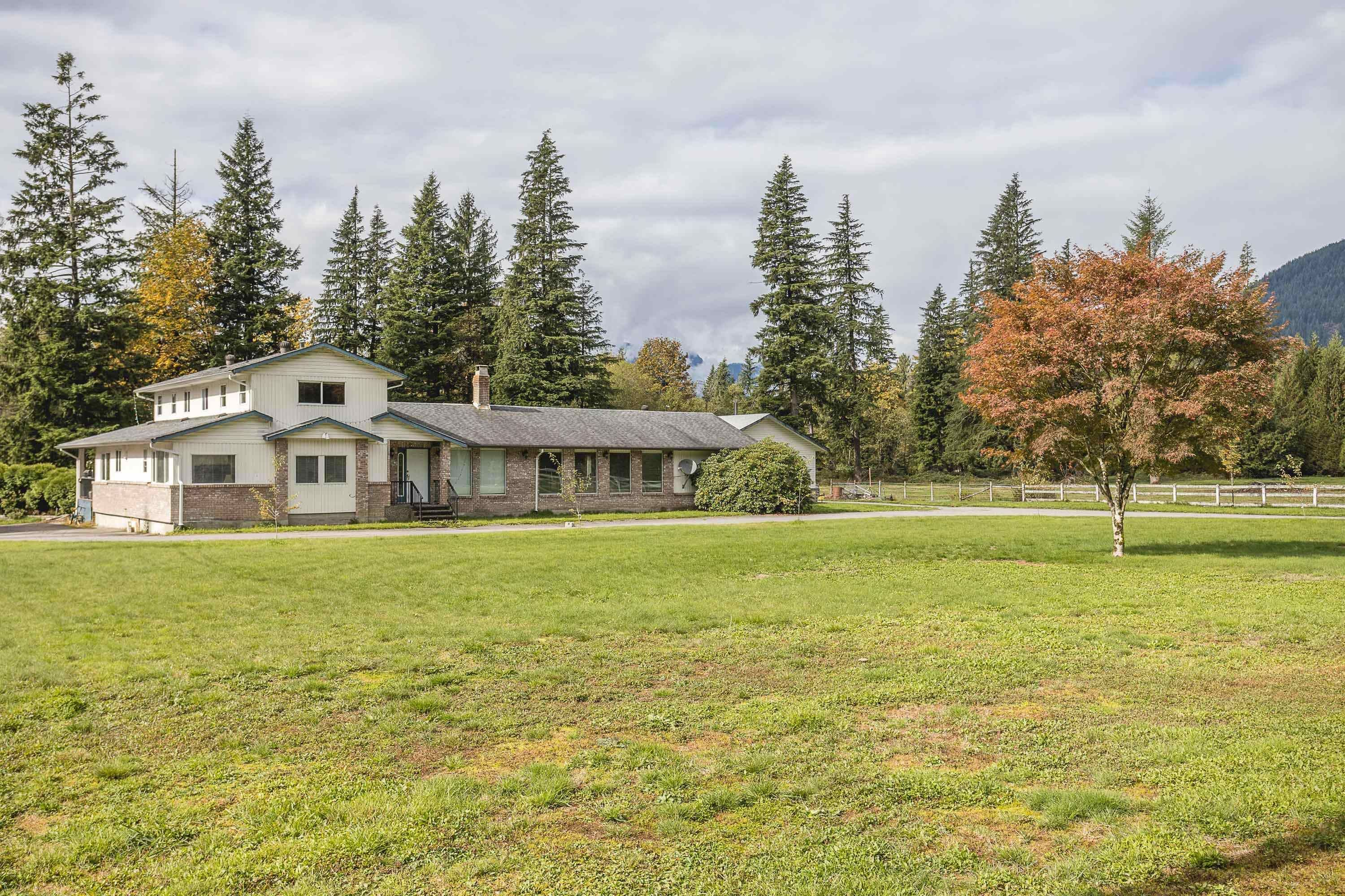 Main Photo: 14615 SYLVESTER Road in Mission: Durieu House for sale : MLS®# R2625341