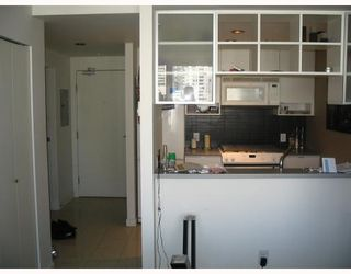 """Photo 5: 2509 939 EXPO Boulevard in Vancouver: Downtown VW Condo for sale in """"MAX 2"""" (Vancouver West)  : MLS®# V700944"""