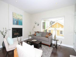 Photo 2: 618 PRIOR Street in Vancouver: Mount Pleasant VE 1/2 Duplex for sale (Vancouver East)  : MLS®# V1008088