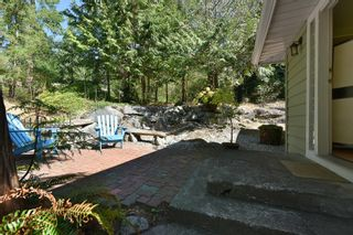 Photo 1: 1142 ROBERTS CREEK Road: Roberts Creek House for sale (Sunshine Coast)  : MLS®# R2612861
