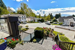 Photo 2: 262 PARE Court in Coquitlam: Central Coquitlam House for sale : MLS®# R2160902