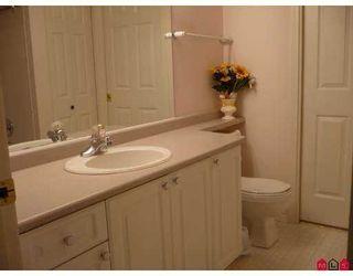 """Photo 5: 212 14885 100TH Avenue in Surrey: Guildford Condo for sale in """"The Dorchester"""" (North Surrey)  : MLS®# F2717171"""