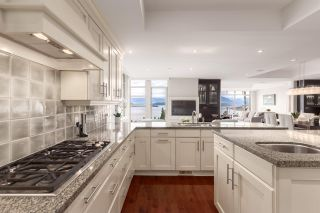 """Photo 9: 8609 SEASCAPE Place in West Vancouver: Howe Sound 1/2 Duplex for sale in """"Seascapes"""" : MLS®# R2528203"""