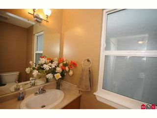 """Photo 5: 60 16388 85TH Avenue in Surrey: Fleetwood Tynehead Townhouse for sale in """"CAMELOT VILLAGE"""" : MLS®# F2922687"""