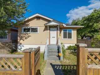 """Main Photo: 3592 KNIGHT Street in Vancouver: Knight House for sale in """"CEDAR COTTAGE"""" (Vancouver East)  : MLS®# R2602203"""