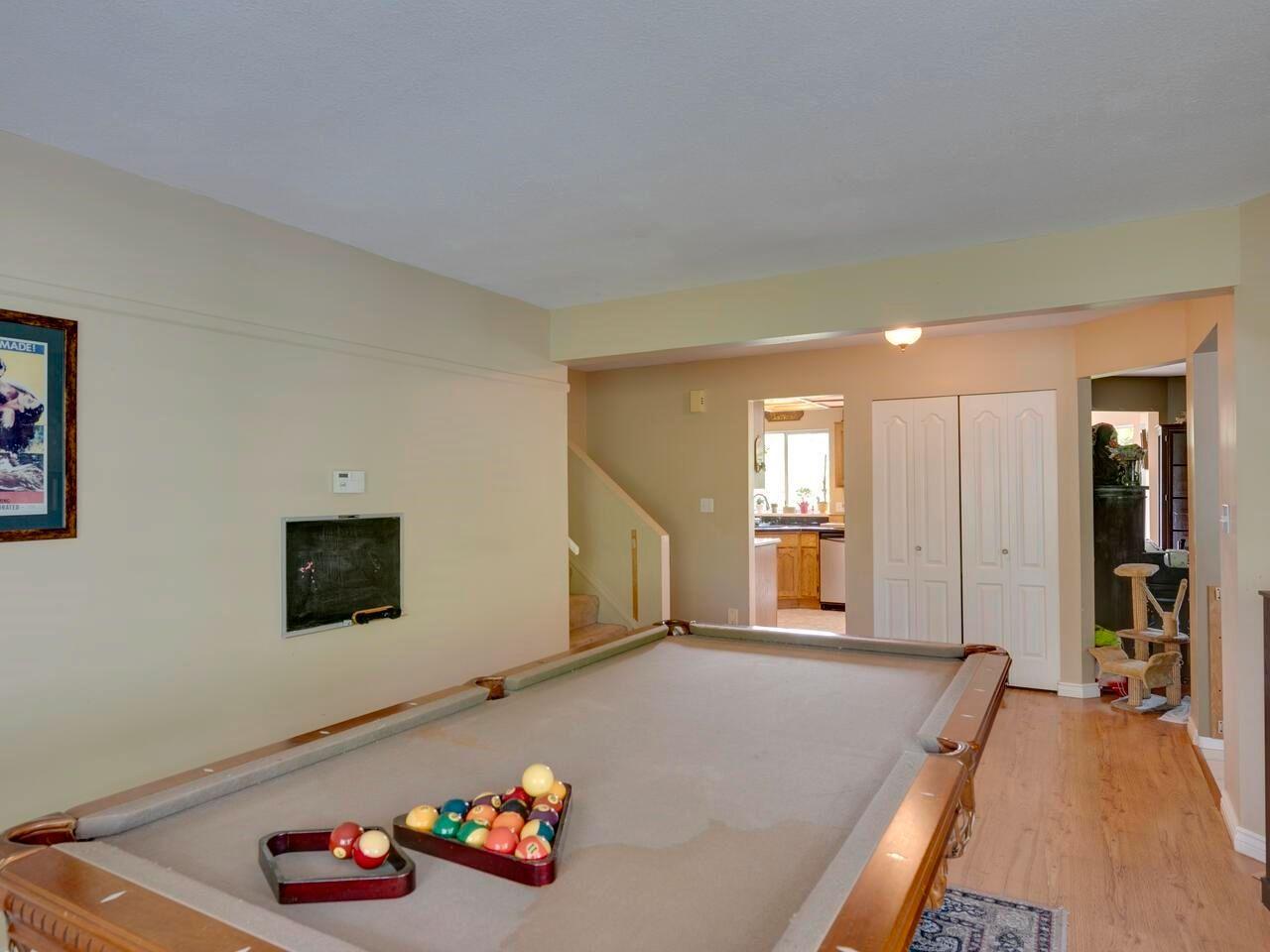 "Photo 7: Photos: 21374 RIVER Road in Maple Ridge: Southwest Maple Ridge House for sale in ""River Road"" : MLS®# R2600142"