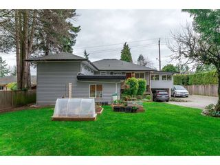 Photo 3: 15719 16 Avenue in Surrey: Sunnyside Park Surrey House for sale (South Surrey White Rock)  : MLS®# R2249136