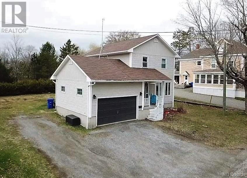 Main Photo: 4 Hill Street in St. Stephen: House for sale : MLS®# NB056878