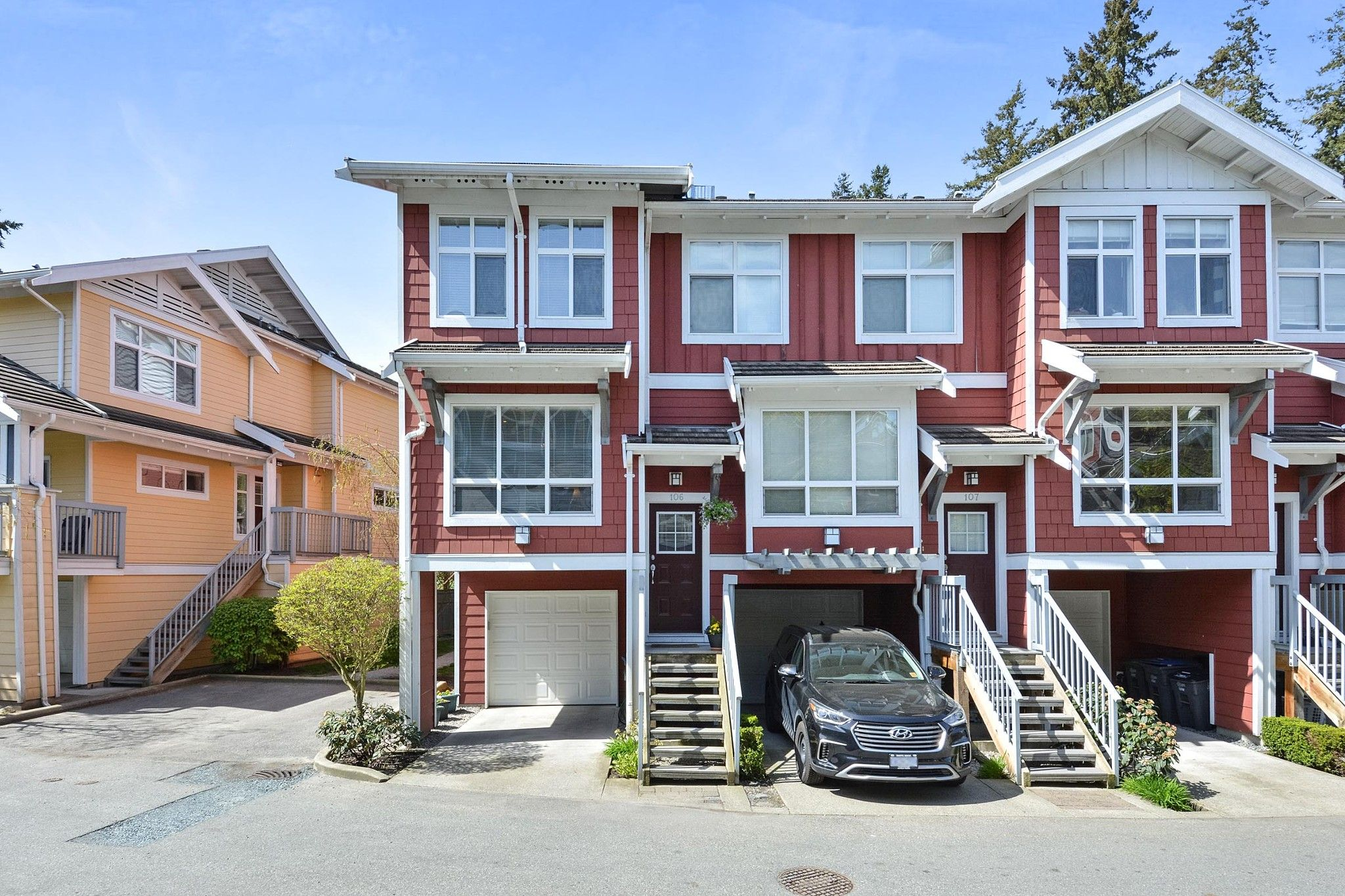 "Main Photo: 106 15168 36 Avenue in Surrey: Morgan Creek Townhouse for sale in ""SOLAY"" (South Surrey White Rock)  : MLS®# R2259870"