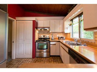 """Photo 7: 4220 CLIFFMONT Road in North Vancouver: Deep Cove House for sale in """"Deep Cove"""" : MLS®# V1081027"""