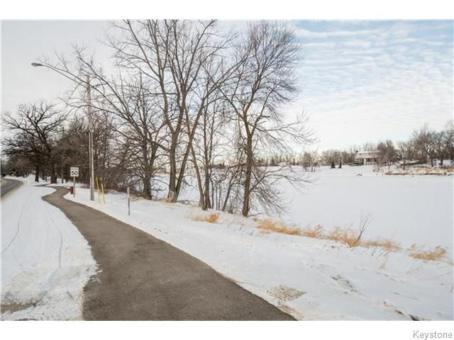 Photo 3: Photos: 8428 ROBLIN Boulevard in HEADINGLEY: Headingley South Residential for sale (South Winnipeg)  : MLS®# 1601053