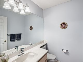 Photo 21: 54 Signature Close SW in Calgary: Signal Hill Detached for sale : MLS®# A1138139