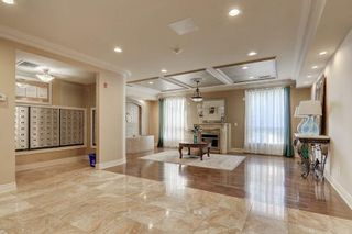 Photo 3: 102 1 Maison Parc Court in Vaughan: Lakeview Estates Condo for sale : MLS®# N5241995