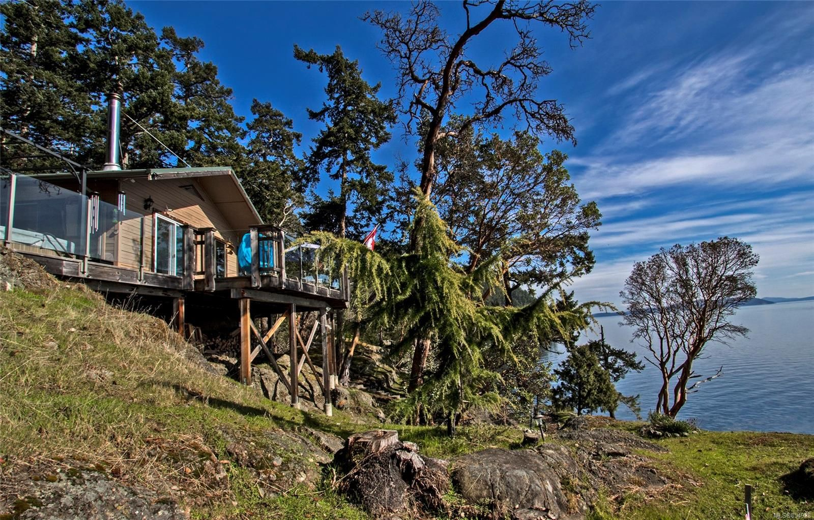 Main Photo: 4817 Cannon Cres in : GI Pender Island House for sale (Gulf Islands)  : MLS®# 854928