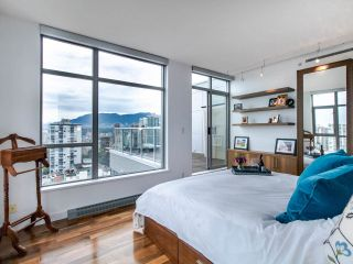 "Photo 9: PH3 1050 SMITHE Street in Vancouver: West End VW Condo for sale in ""STERLING"" (Vancouver West)  : MLS®# R2495075"