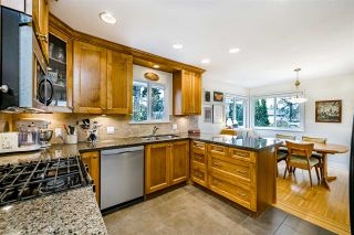 Photo 12: 933 KINSAC Street in Coquitlam: Coquitlam West House for sale : MLS®# R2518051