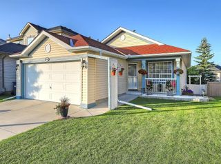 Photo 1: 741 Citadel Drive NW in Calgary: Citadel Detached for sale : MLS®# C4260865