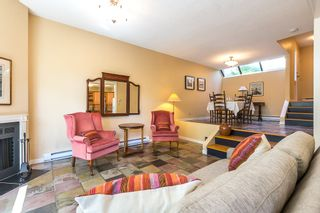 """Photo 3: 3476 DARTMOOR Place in Vancouver: Champlain Heights Townhouse for sale in """"MOORPARK"""" (Vancouver East)  : MLS®# R2096126"""