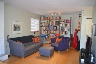 Photo 3: 939 E 11TH Avenue in Vancouver: Mount Pleasant VE 1/2 Duplex for sale (Vancouver East)  : MLS®# R2316093
