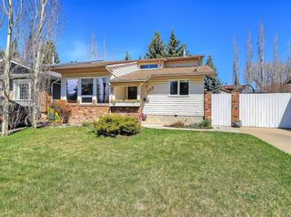 Main Photo: 323 Woodridge Place SW in Calgary: Woodlands Detached for sale : MLS®# A1103658
