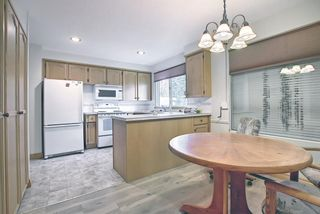 Photo 4: 5631 Ladbrooke Place SW in Calgary: Lakeview Detached for sale : MLS®# A1109810